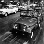 Widok linii montażu w fabryce Jeep Parkway, Toledo, stan Ohio